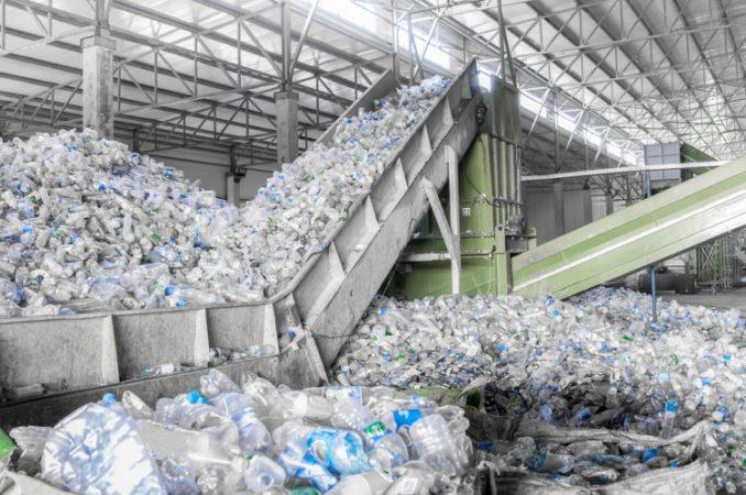 Plastic, metaal en drinkverpakkingen